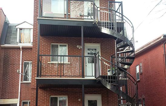 Escalier en colimaçon d'aluminium